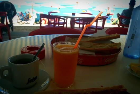 Petit déjeuner à Planch'Alizé