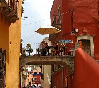 Le fameux pont du Santo Café