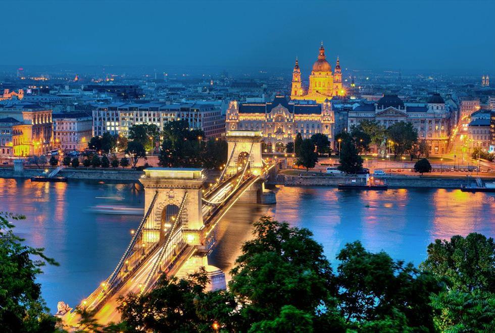 Budapest-Panorama-Central-Stunning-Views-Budapest-HU_z